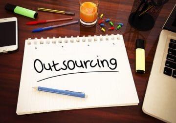 מיקור חוץ אאוטסורסינג outsourcing